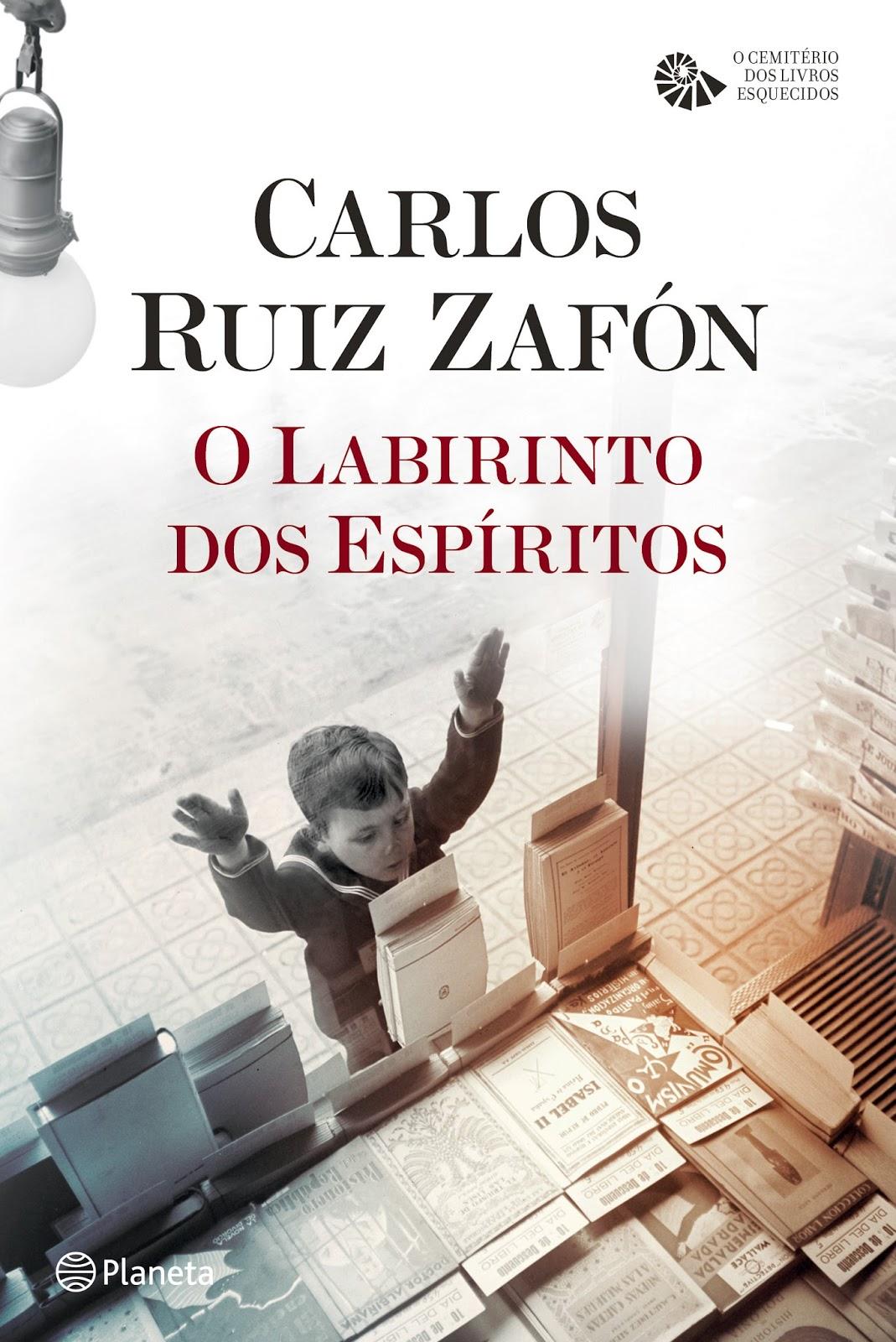 """Capa do livro """"O Labirinto dos Espíritos"""", quarto volume da série literária """"Cemitério dos Livros"""""""