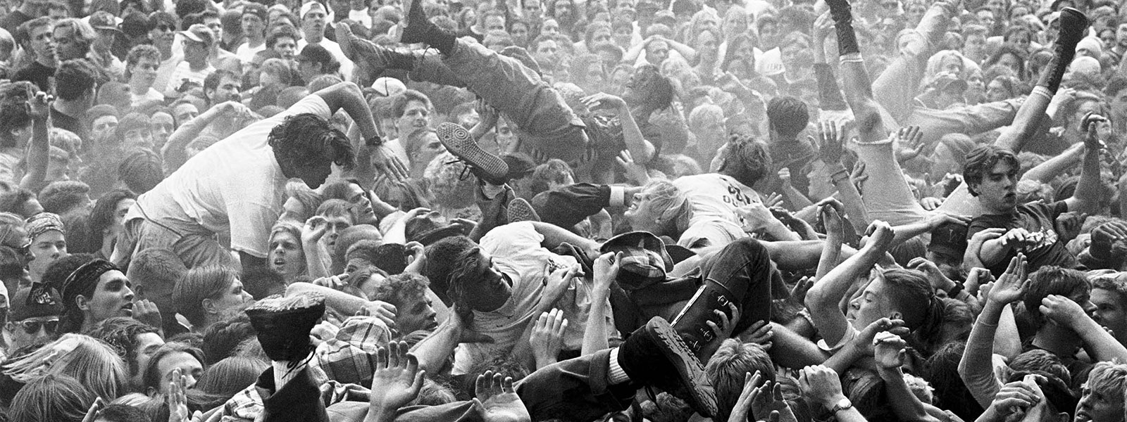 Anos 90: Quando A Música Adoeceu