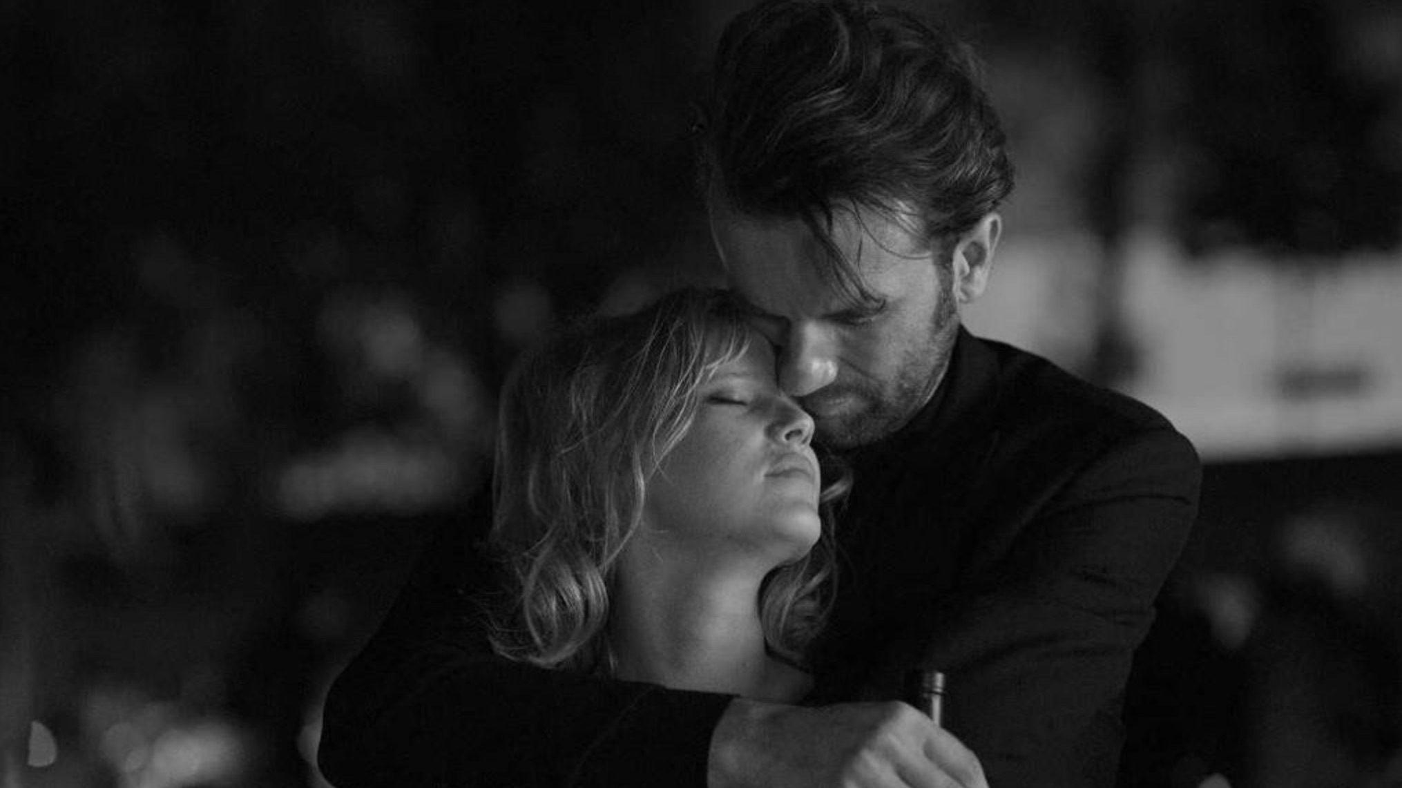 Os Encontros E Desencontros Melancólicos De Um Amor